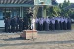 Anggota Koramil Wates Jadi Pembina Upacara di MTsN 1 Kulon Progo