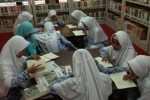 Tumbuhkan Minat Baca, Siswa MTsN 1 Kulon Progo Berkunjung ke Dispussip